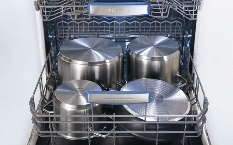 IntensiveZone: effectively cleans pots and pans at the press of a button