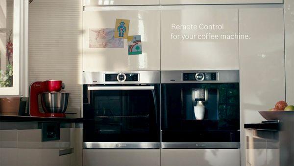 Amenajare bucatarie contemporana, cu electrocasnice, incorporabile si inteligente;
