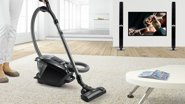 Bagless vacuum cleaners from Bosch: Powerful but incredibly quiet. Without additional costs.