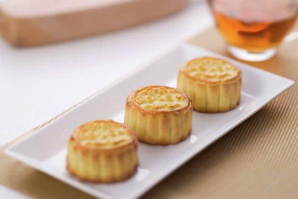 Crispy Custard Mooncakes