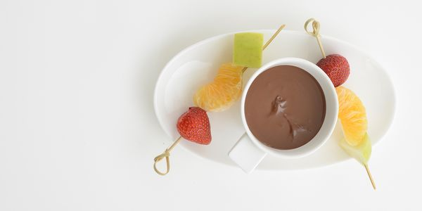 Chocolate Fondue With Fruit Skewers Bosch Home Appliances
