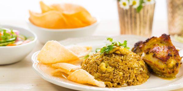 Nasi Goreng Ayam Kunyit With Pickles Bosch Home Appliances